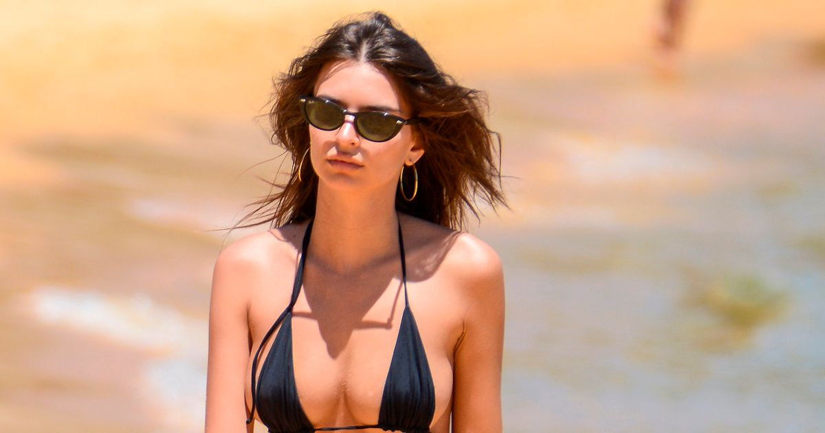 Emily Ratajkowski Sizzles In Tiny String Bikini On The Beach In Sydney All World Report